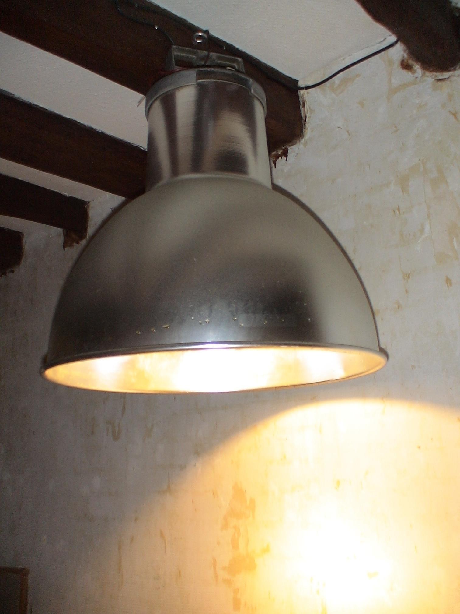 [Image: lampe.jpg]